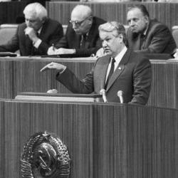 Борис Ельцин: не формировать вождей и вождизм