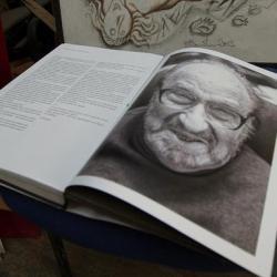 В Екатеринбурге собирают средства на книгу знаменитого графика Виталия Воловича