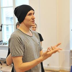 ТЕРРИТОРИЯ. Мастер-класс по перформансу хореографа Александра Андрияшкина